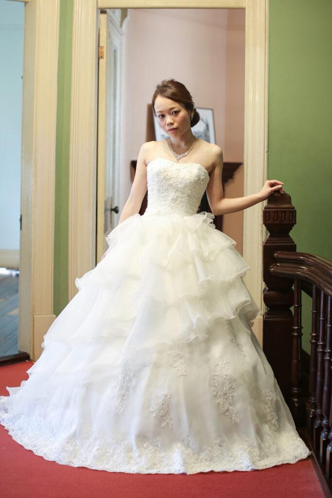 小さな結婚式の公式サイトのドレスふんわりしたもの